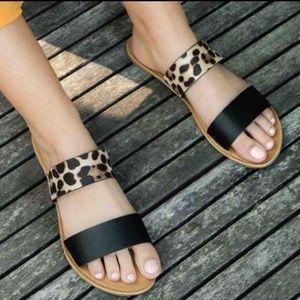 Shoes - 5⭐️ Black leopard flat slip on shoes